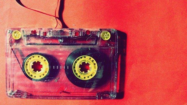 kazetová páska