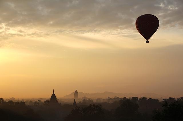 let horkovzdušného balónu