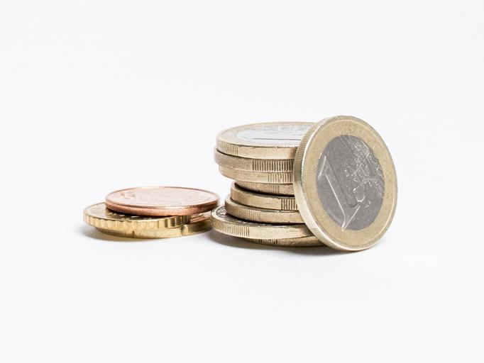 několik euromincí