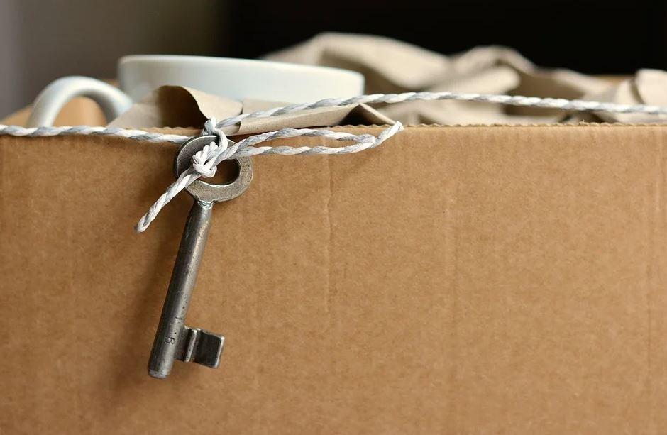 krabice s klíčem